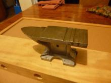 Grooved anvil for aglet making